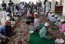 কিশোরগঞ্জের পাগলা মসজিদে চলছে দানবাক্সের টাকা গণনা